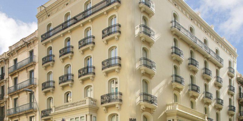 hotel midmost opera severitas